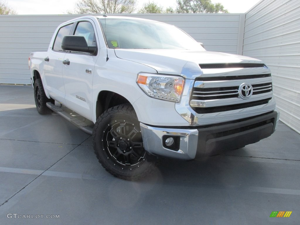 2016 Tundra SR5 CrewMax - Super White / Graphite photo #1