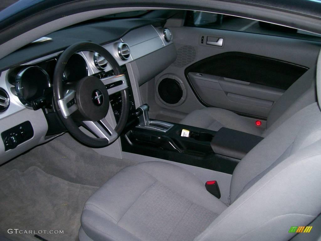 2006 Mustang V6 Premium Coupe - Windveil Blue Metallic / Light Graphite photo #4