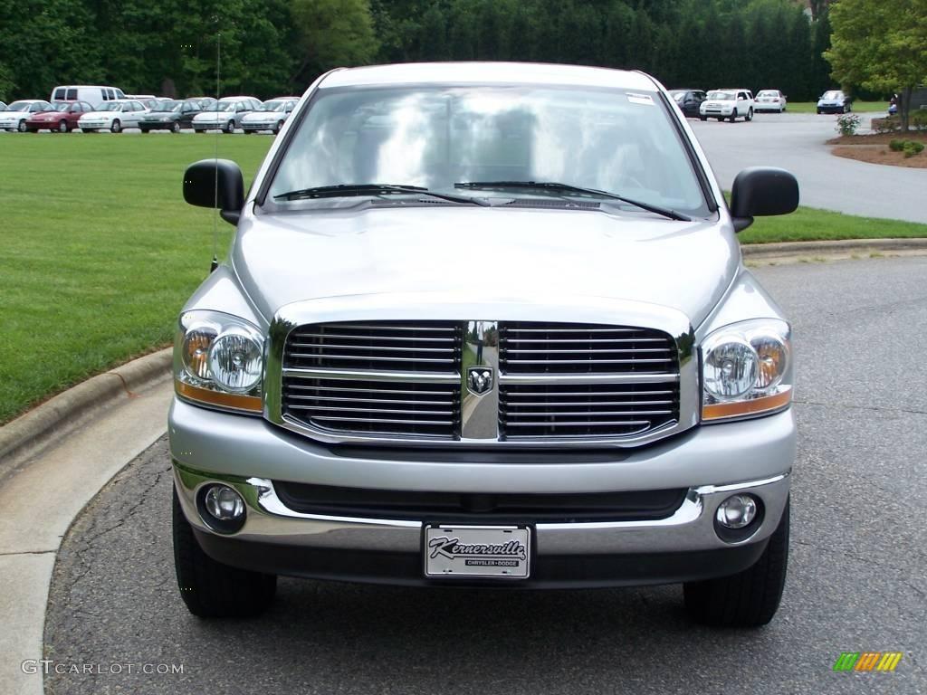 2006 Ram 1500 SLT Quad Cab 4x4 - Bright Silver Metallic / Medium Slate Gray photo #1