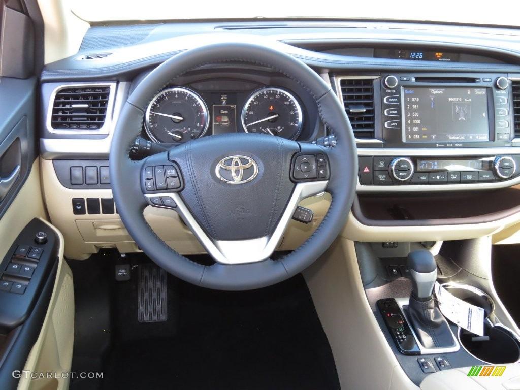 2016 Alumina Jade Metallic Toyota Highlander XLE