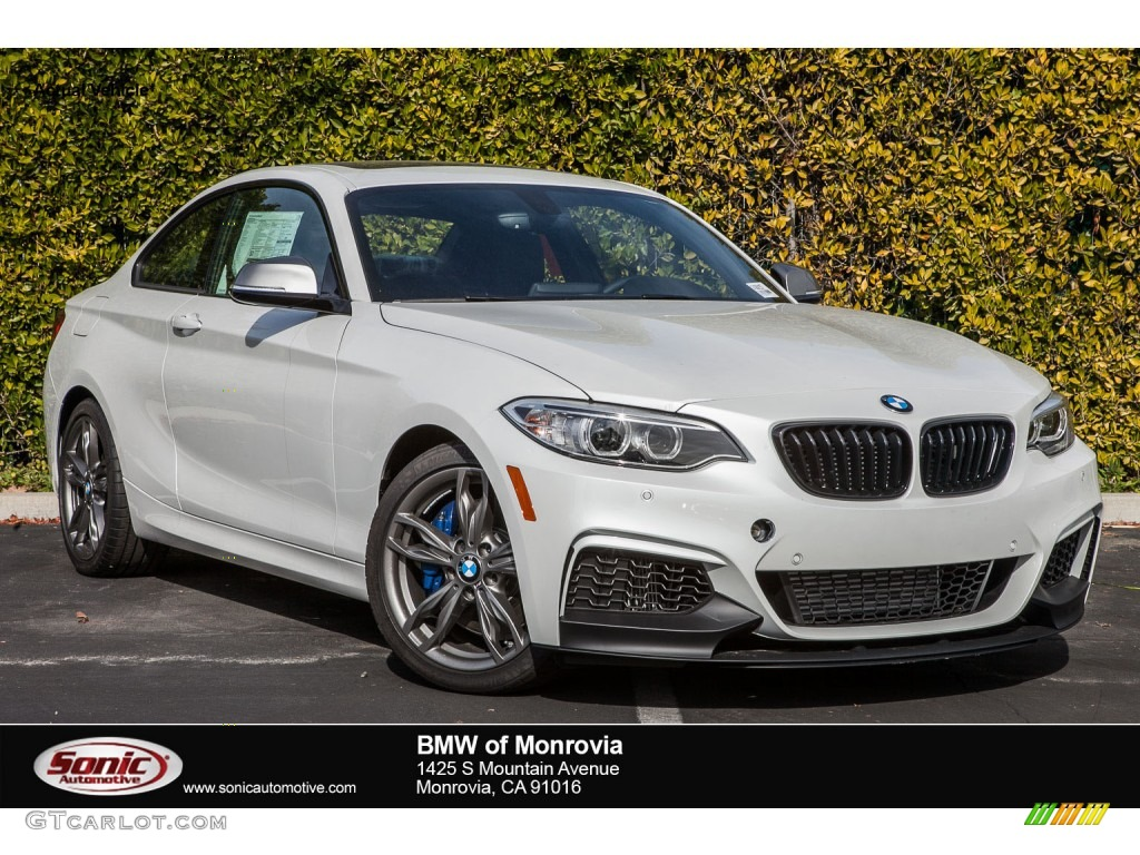 Mineral white metallic bmw m235i
