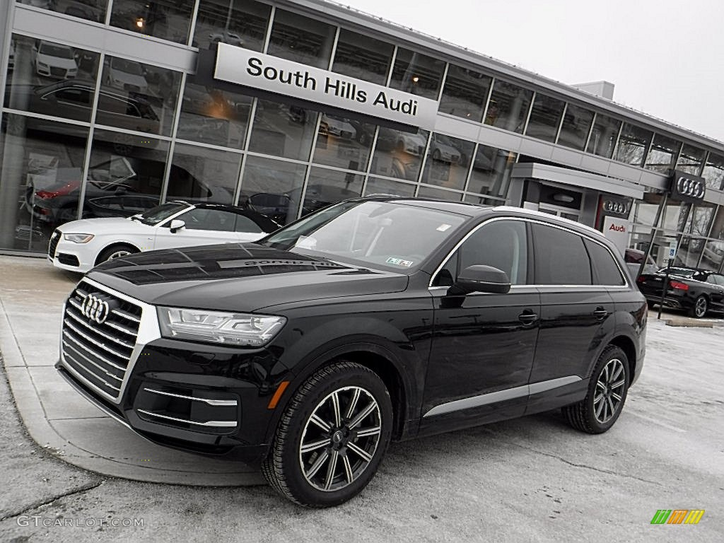 Orca Black Metallic Audi Q7