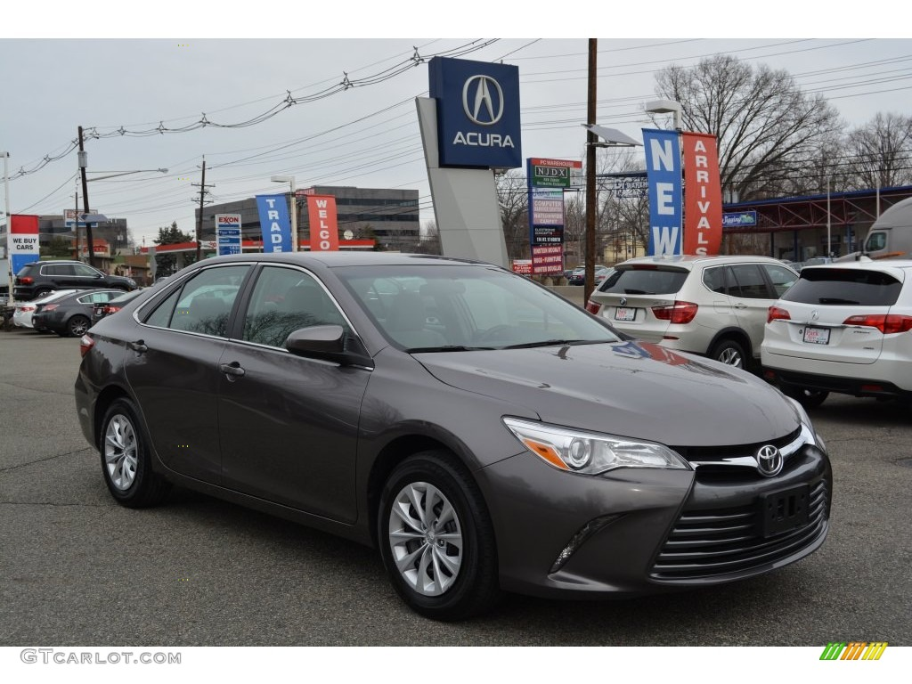Toyota Camry Colors >> 2015 Cosmic Gray Mica Toyota Camry LE #110275814 | GTCarLot.com - Car Color Galleries