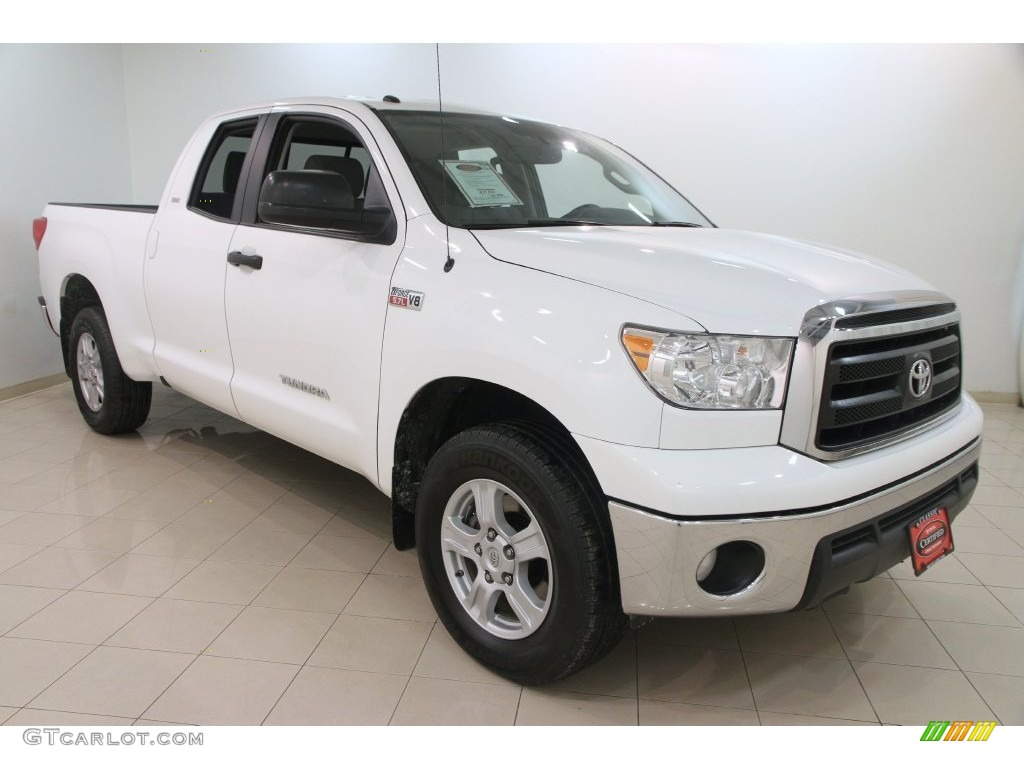 2013 Tundra SR5 Double Cab 4x4 - Super White / Graphite photo #1