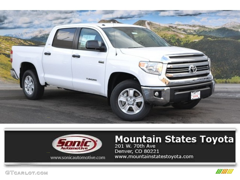 2016 Tundra SR5 CrewMax 4x4 - Super White / Black photo #1