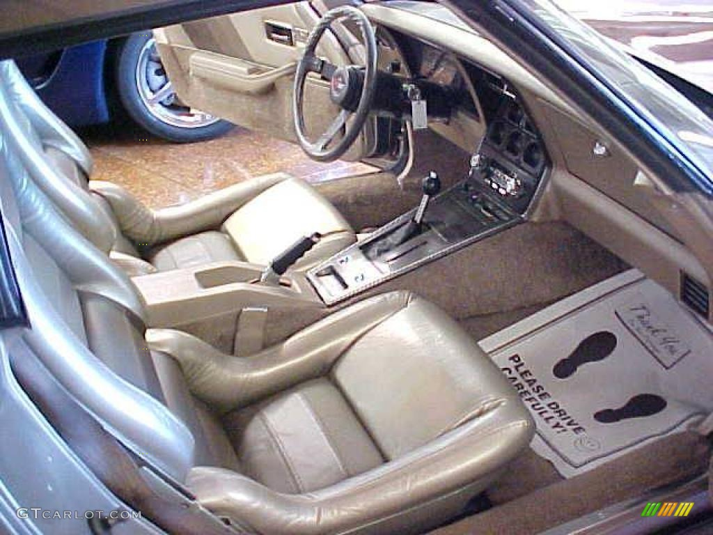 1982 chevrolet corvette collector edition hatchback interior photo 11146277