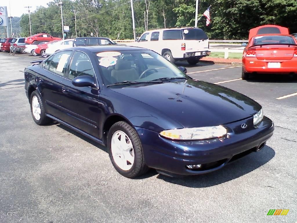 2001 midnight blue metallic oldsmobile alero gl sedan 11127175 gtcarlot com car color galleries gtcarlot com