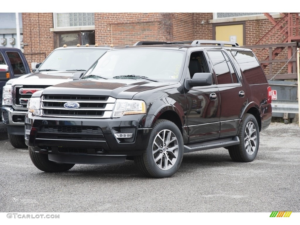 Shadow Black Metallic Ford Expedition Xlt 4x4