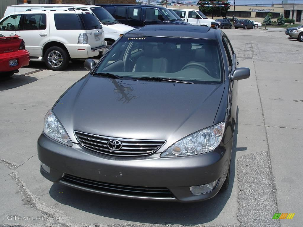 2006 phantom gray pearl toyota camry xle v6 11174548. Black Bedroom Furniture Sets. Home Design Ideas