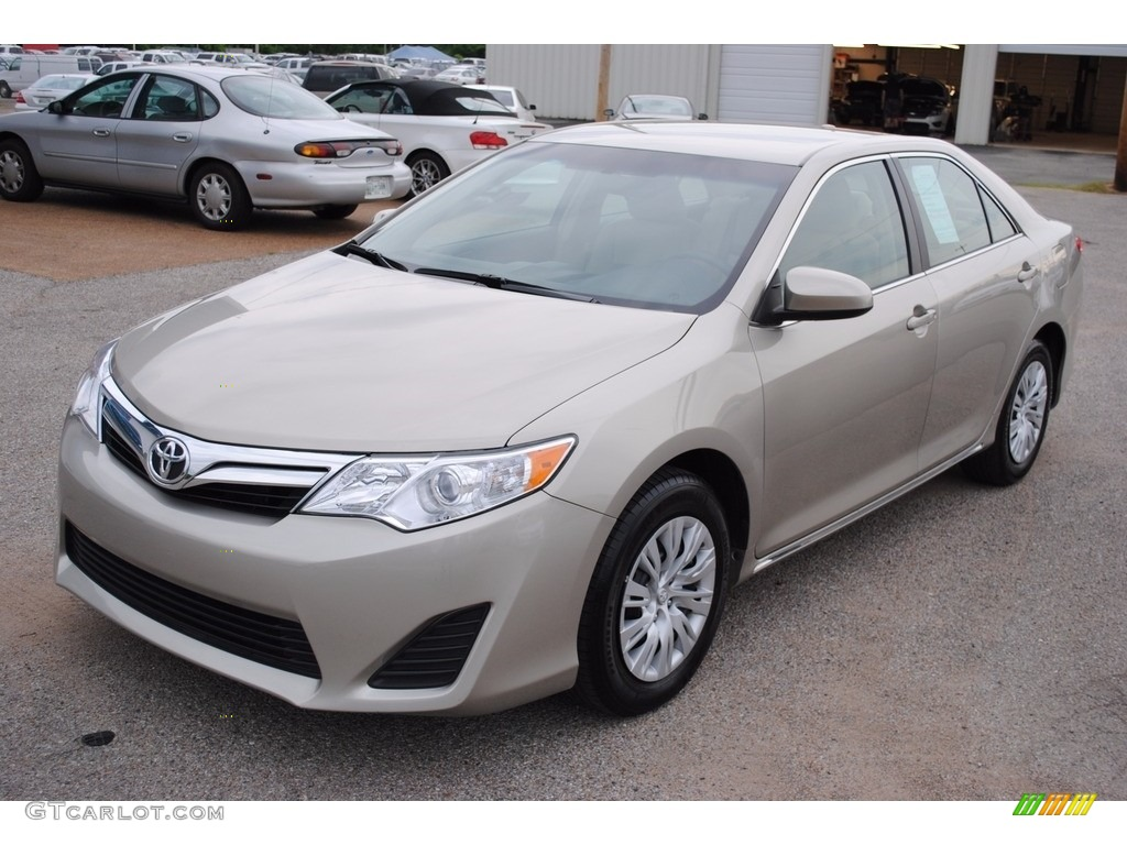 2014 creme brulee metallic toyota camry le 112633057 photo 5 car color galleries. Black Bedroom Furniture Sets. Home Design Ideas