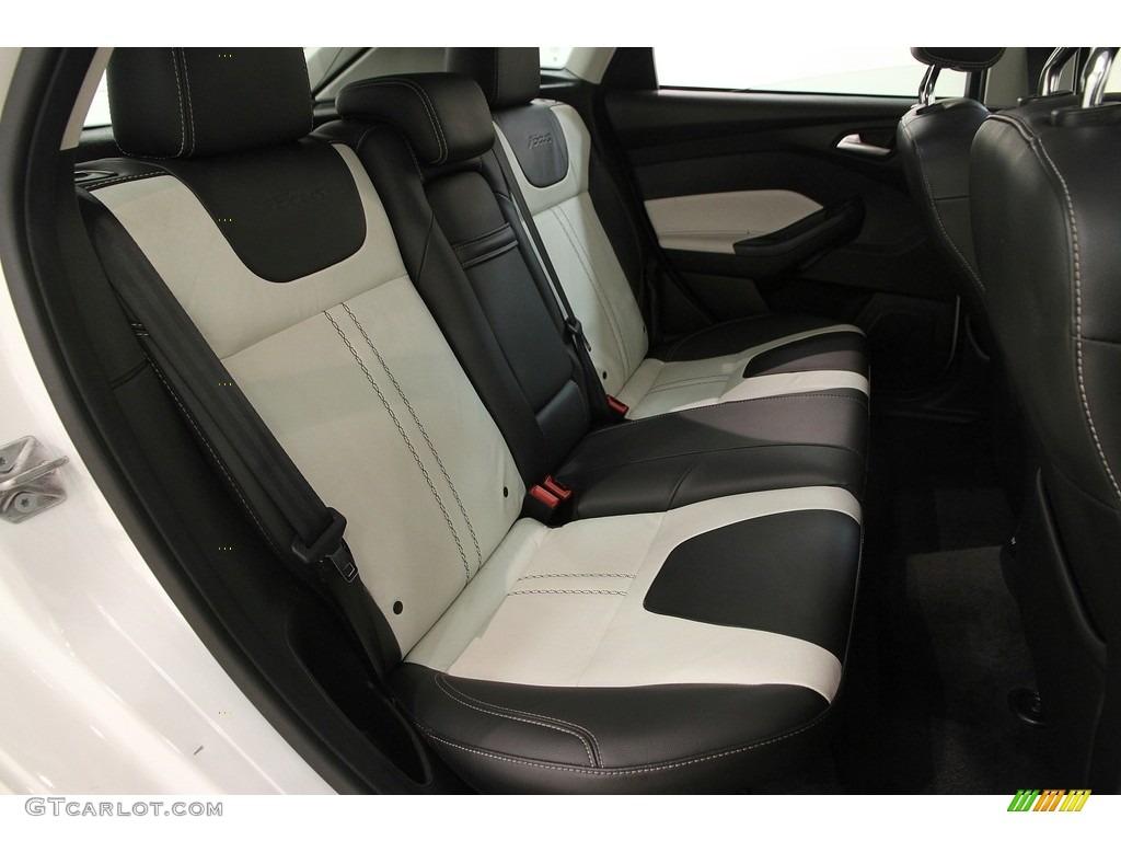 2012 Focus Titanium 5-Door - White Platinum Tricoat Metallic / Arctic White Leather photo #20