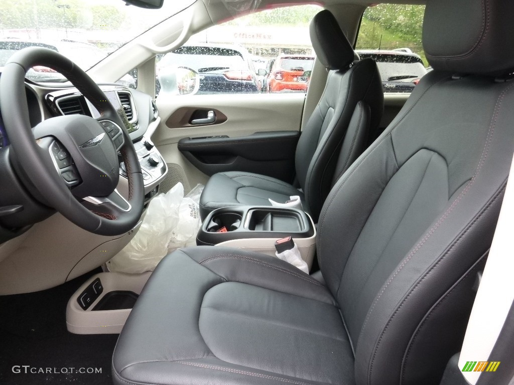 black alloy interior 2017 chrysler pacifica touring l photo 112844237. Black Bedroom Furniture Sets. Home Design Ideas