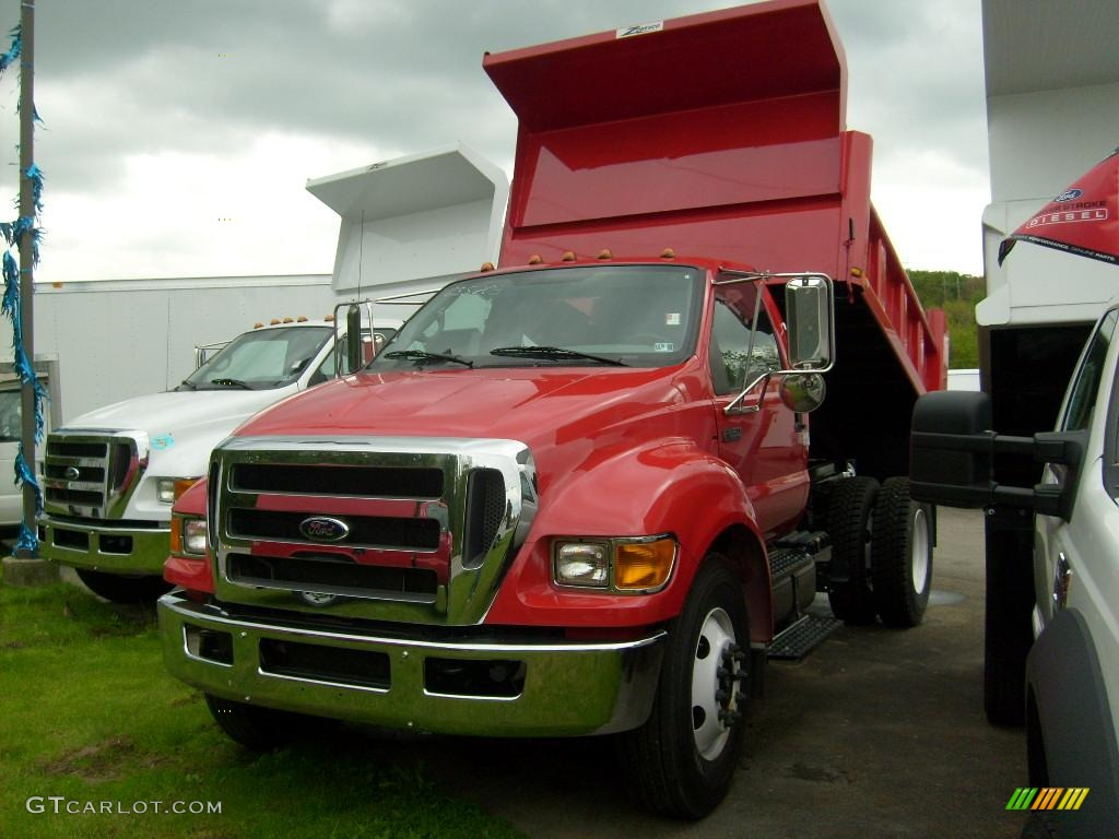 2008 F650 Super Duty XLT Regular Cab Chassis Dump Truck - Red / Medium Flint photo #1
