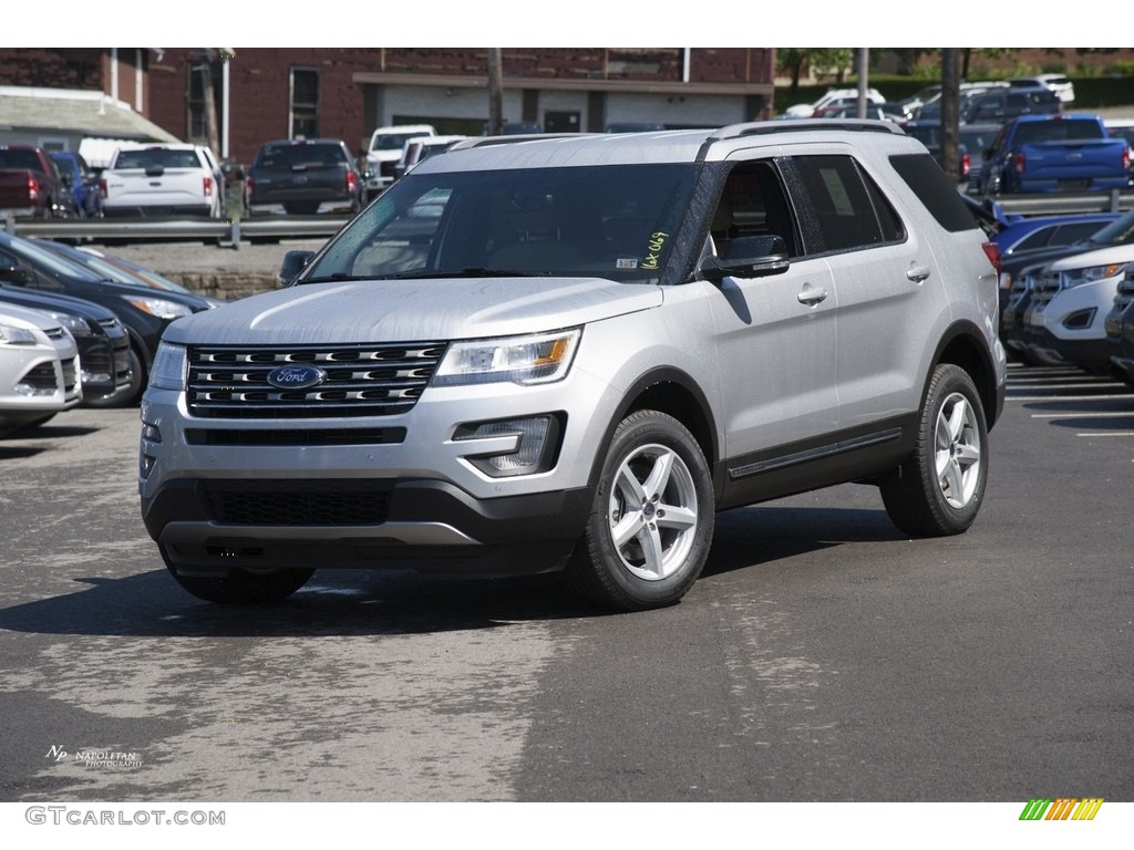 2016 Explorer XLT 4WD - Ingot Silver Metallic / Medium Light Camel photo #1