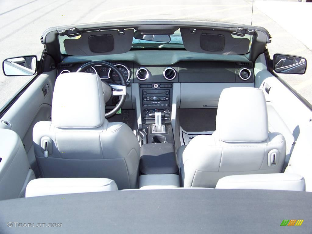 2006 Mustang V6 Premium Convertible - Windveil Blue Metallic / Light Graphite photo #6