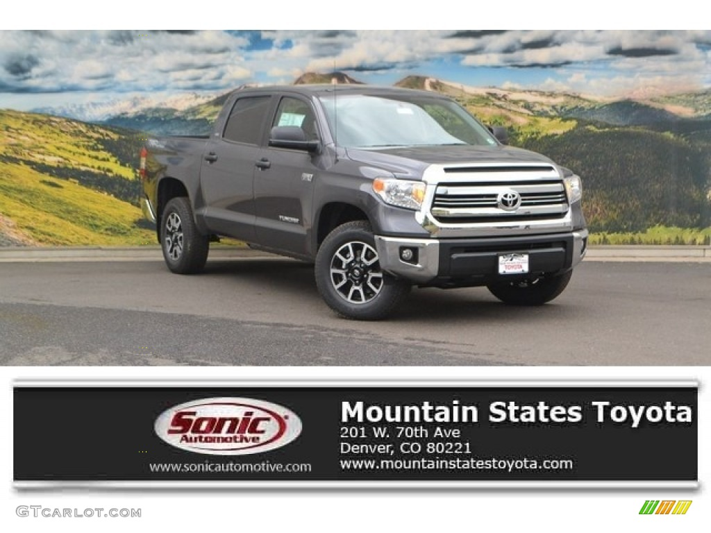 2016 Tundra SR5 CrewMax 4x4 - Magnetic Gray Metallic / Black photo #1