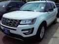 2016 Oxford White Ford Explorer XLT  photo #21