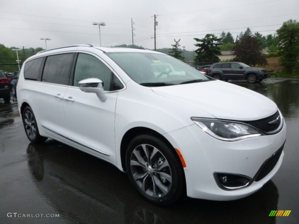 Bright White 2017 Chrysler Pacifica Limited Exterior Photo 113918663