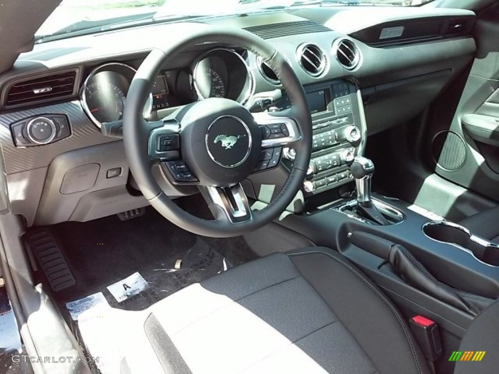 Ebony Interior 2017 Ford Mustang V6 Coupe Photo #114534234