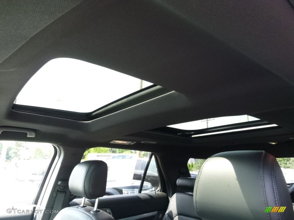 2017 Ford Explorer XLT 4WD Sunroof Photo #114551135