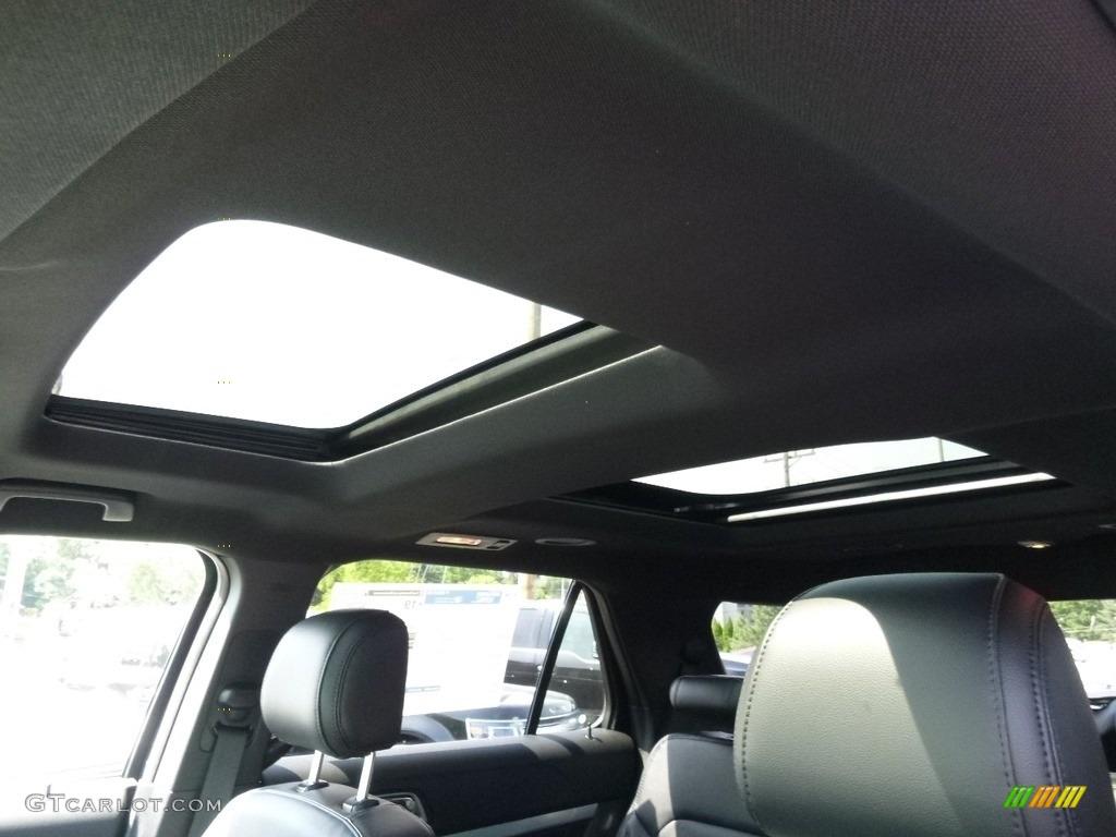 2017 Ford Explorer XLT 4WD Sunroof Photos