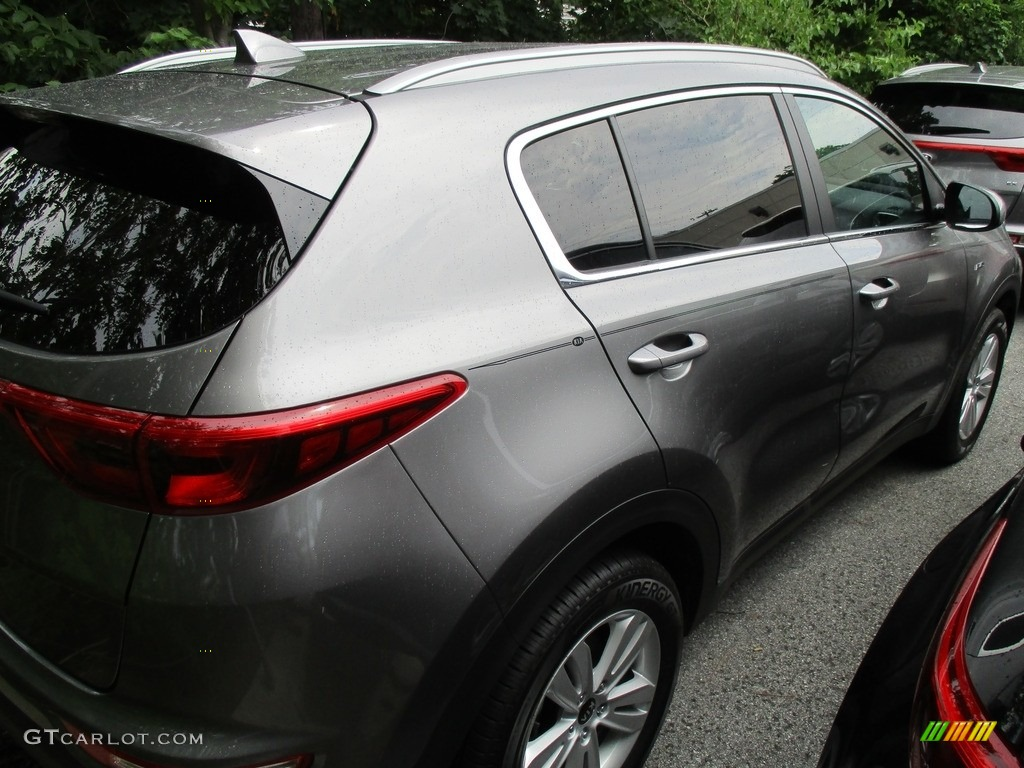 2017 Sportage LX AWD - Mineral Silver / Black photo #4