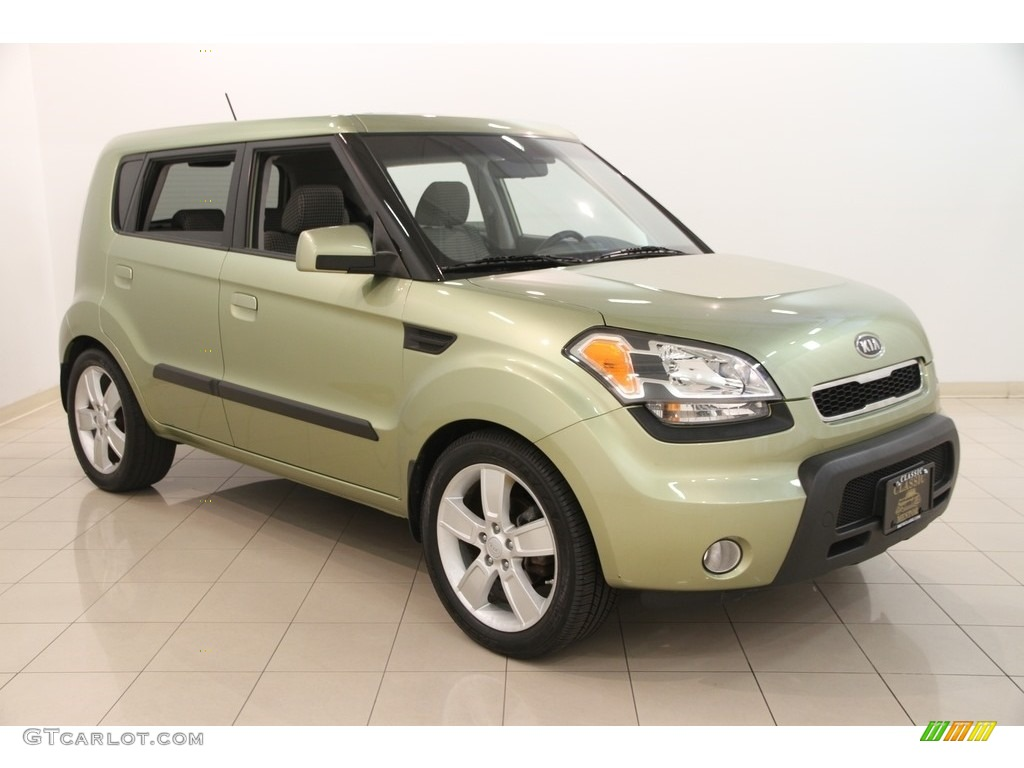 2010 alien green kia soul sport 114922706. Black Bedroom Furniture Sets. Home Design Ideas