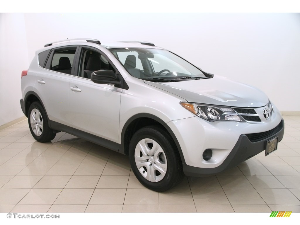 2013 classic silver metallic toyota rav4 le awd 114975783. Black Bedroom Furniture Sets. Home Design Ideas