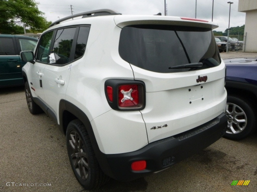 2016 Renegade Latitude 4x4 - Alpine White / Black/Sandstorm photo #4