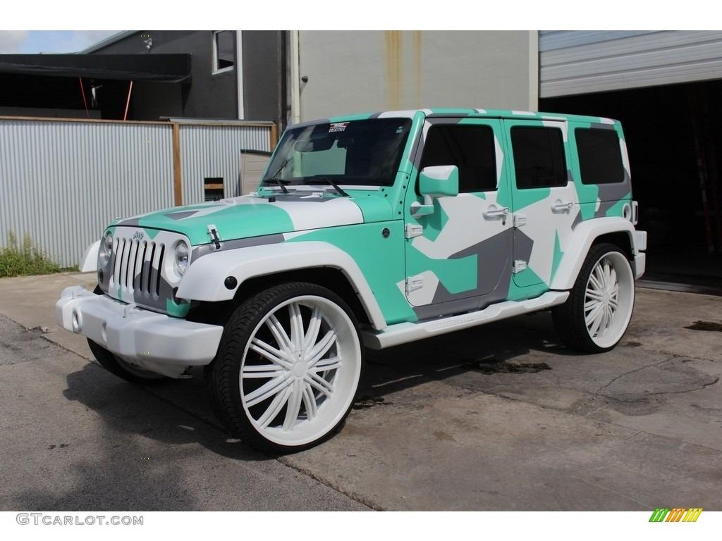 2011 bright white jeep wrangler unlimited sahara 4x4. Black Bedroom Furniture Sets. Home Design Ideas