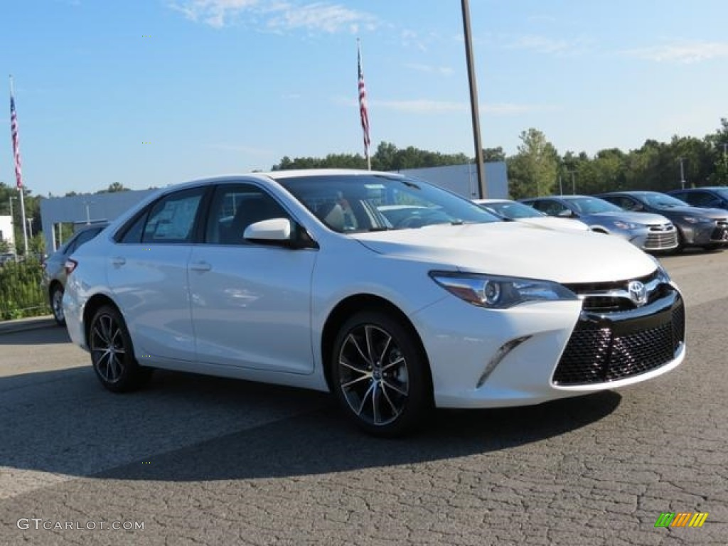 2017 super white toyota camry xse 115421368 car color galleries. Black Bedroom Furniture Sets. Home Design Ideas