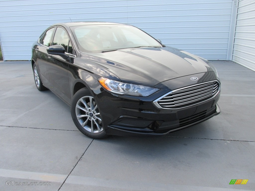 2017 Fusion SE - Shadow Black / Ebony photo #2