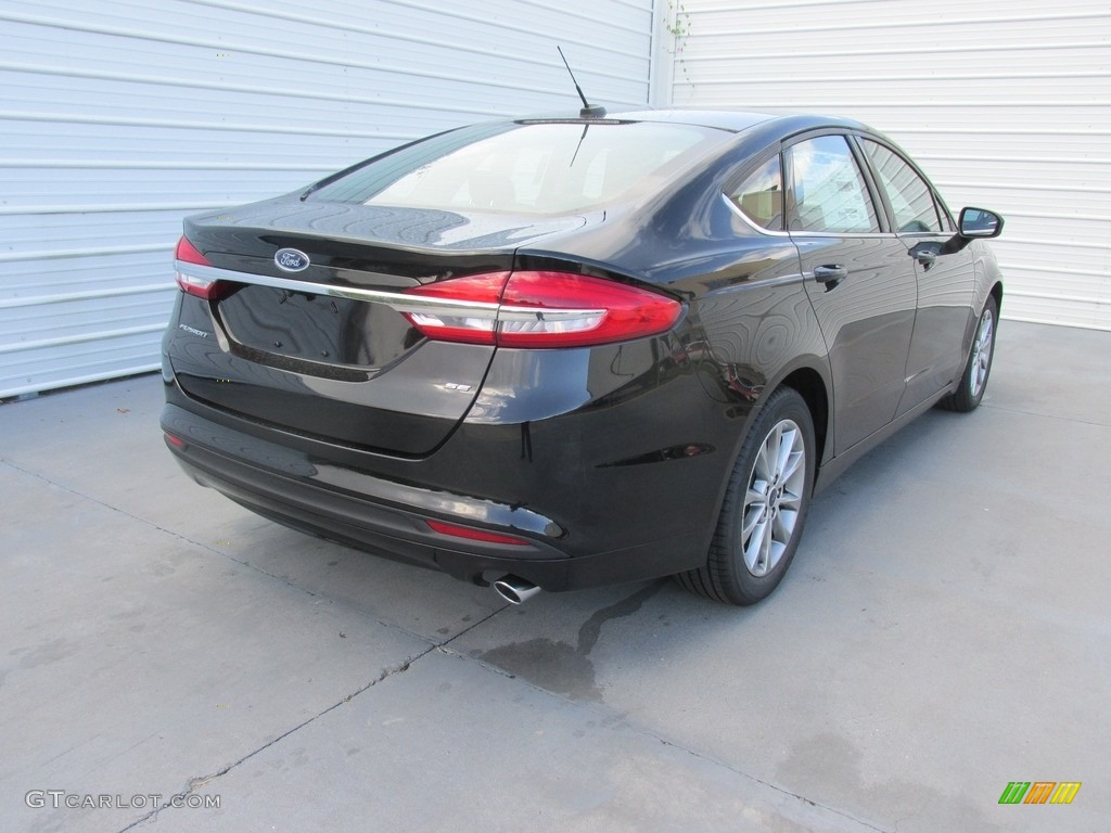 2017 Fusion SE - Shadow Black / Ebony photo #4