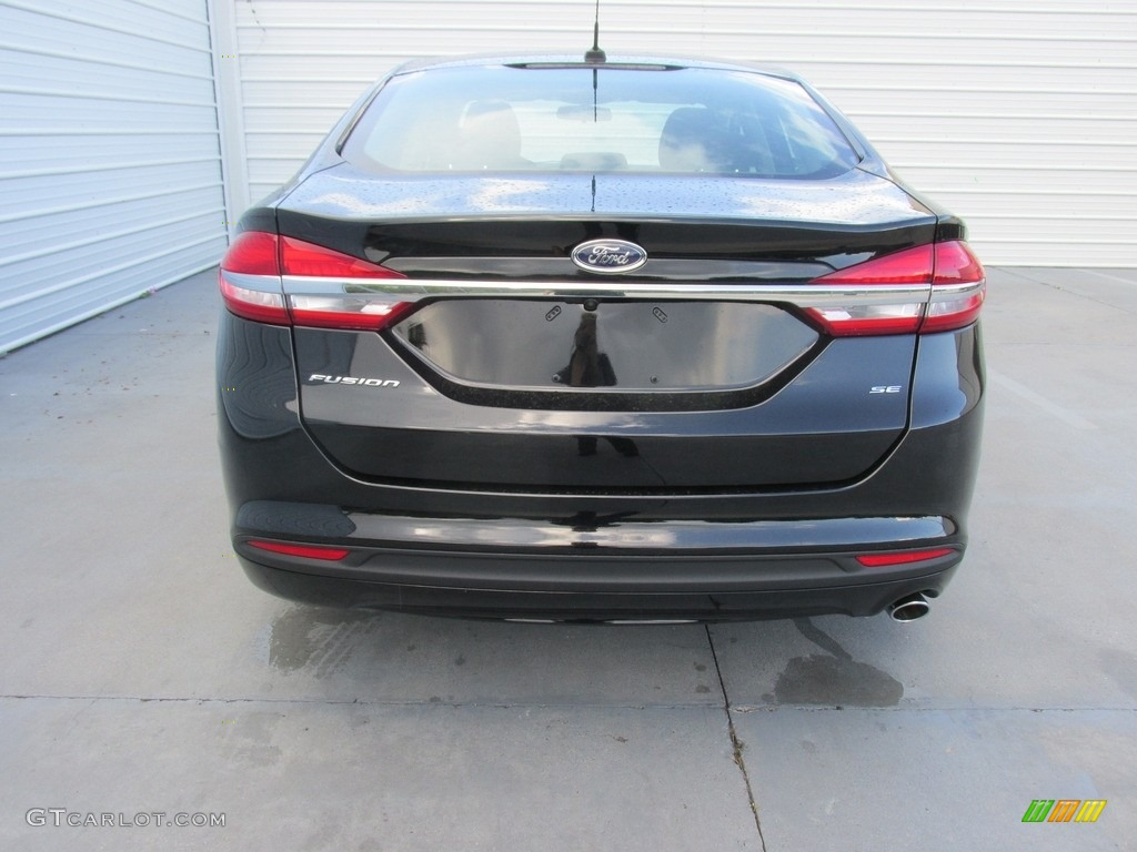2017 Fusion SE - Shadow Black / Ebony photo #5