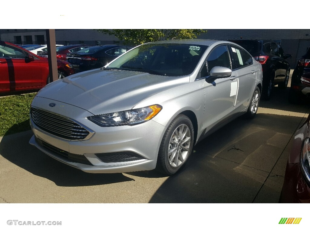 Oxford White Ford Fusion 2017 >> 2017 Ingot Silver Ford Fusion SE #115759420 | GTCarLot.com - Car Color Galleries