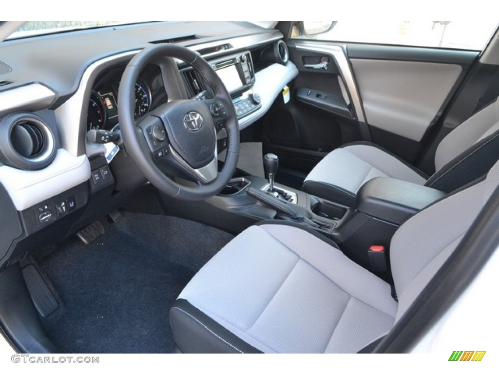 Ash Interior 2017 Toyota RAV4 XLE AWD Photo #115874250