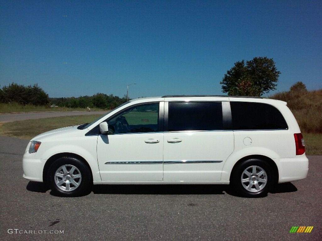 2013 stone white chrysler town country touring for Stone s town country motors