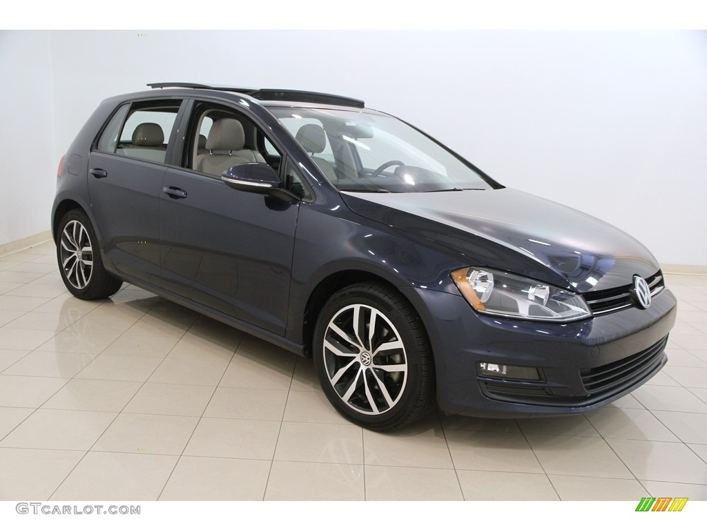 2016 night blue metallic volkswagen golf 4 door 1 8t se. Black Bedroom Furniture Sets. Home Design Ideas