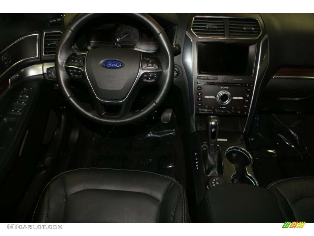 2016 Explorer Limited 4WD - Ingot Silver Metallic / Ebony Black photo #2