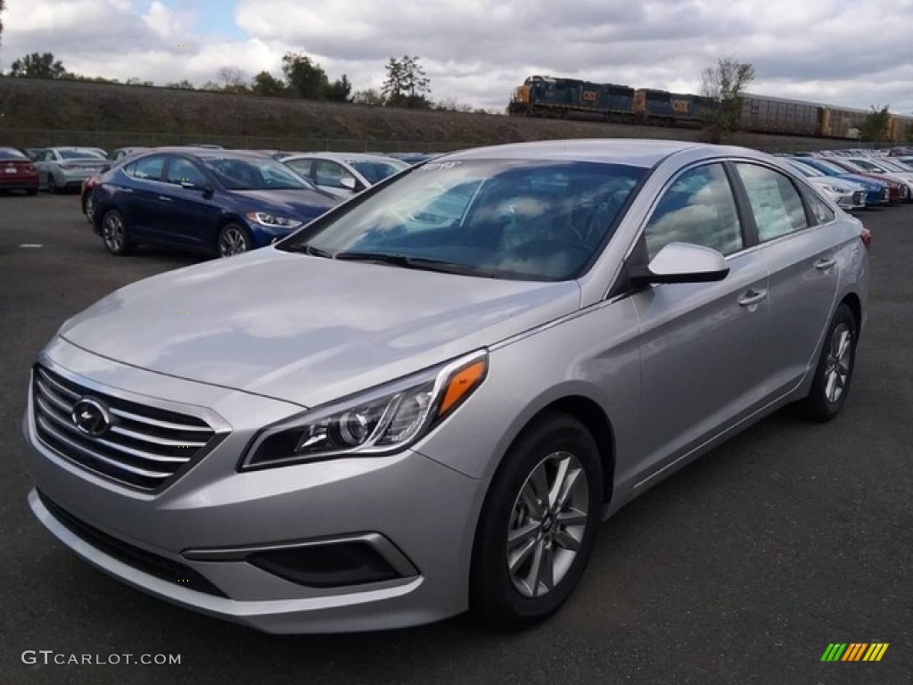 2017 Sonata Se Symphony Silver Gray Photo 1