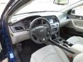 Gray Interior Photo for 2017 Hyundai Sonata #116397308