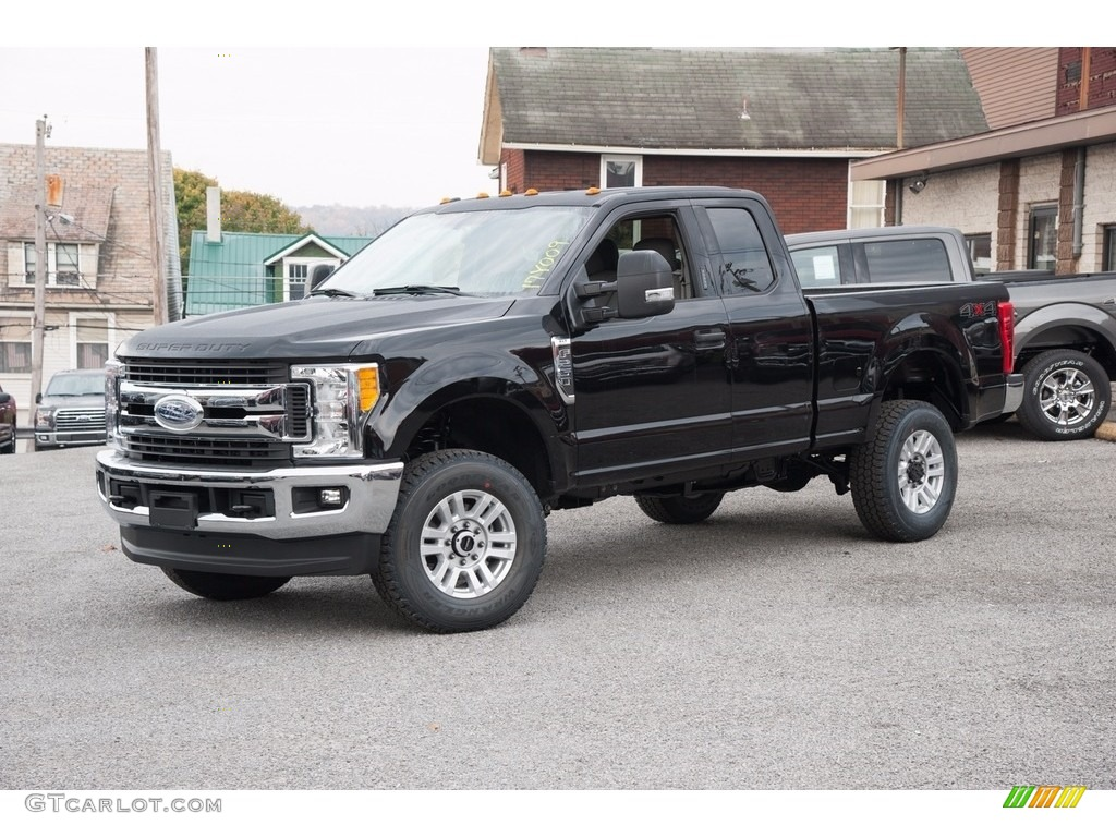 2017 F250 Super Duty Xlt Supercab 4x4 Shadow Black Medium Earth Gray Photo