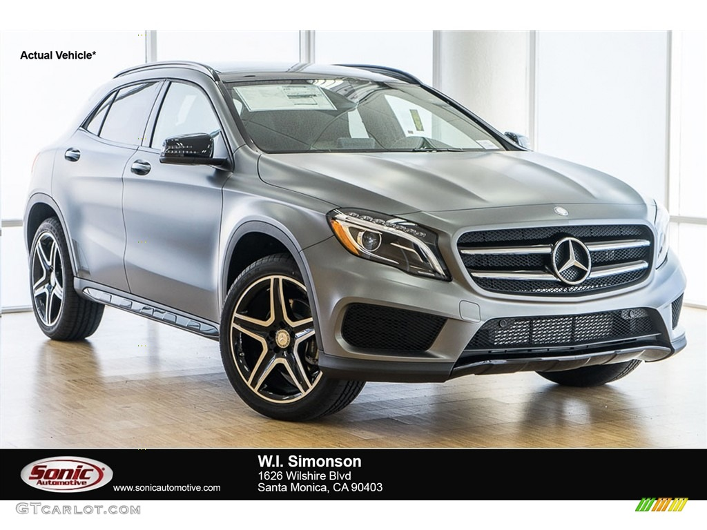 2017 designo mountain grey magno matte mercedes benz gla for Matte mercedes benz
