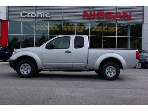 2009 nissan frontier xe king cab data info and specs. Black Bedroom Furniture Sets. Home Design Ideas