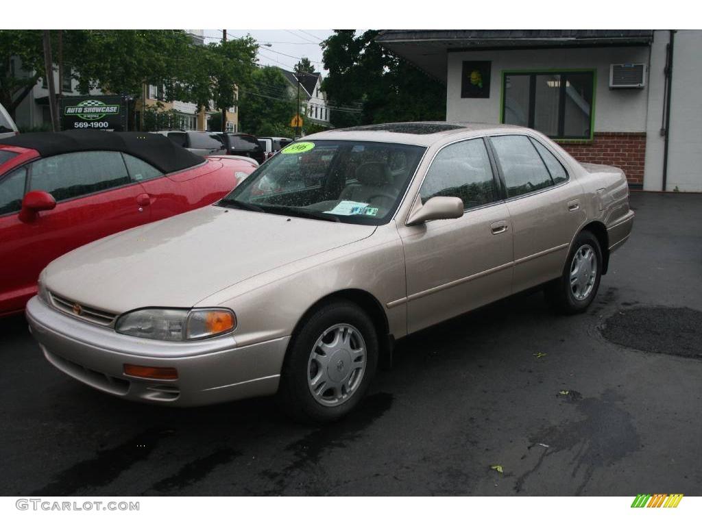 1996 cashmere beige metallic toyota camry xle v6 sedan 11669596 gtcarlot com car color galleries gtcarlot com
