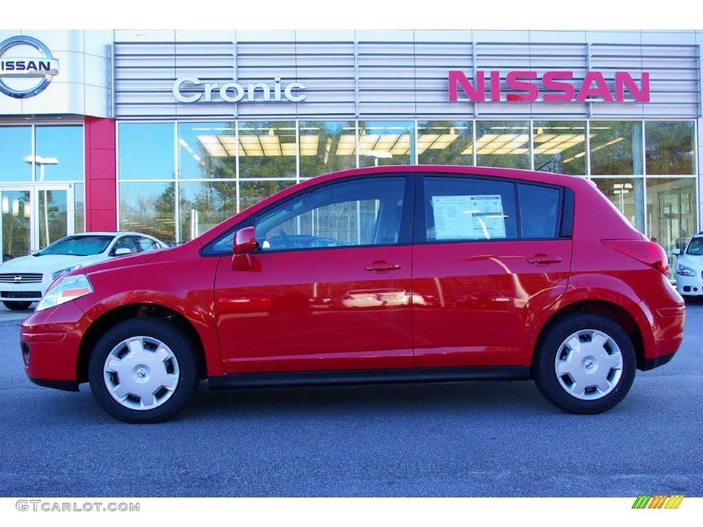 2009 red alert nissan versa 1 8 s hatchback 11668818. Black Bedroom Furniture Sets. Home Design Ideas