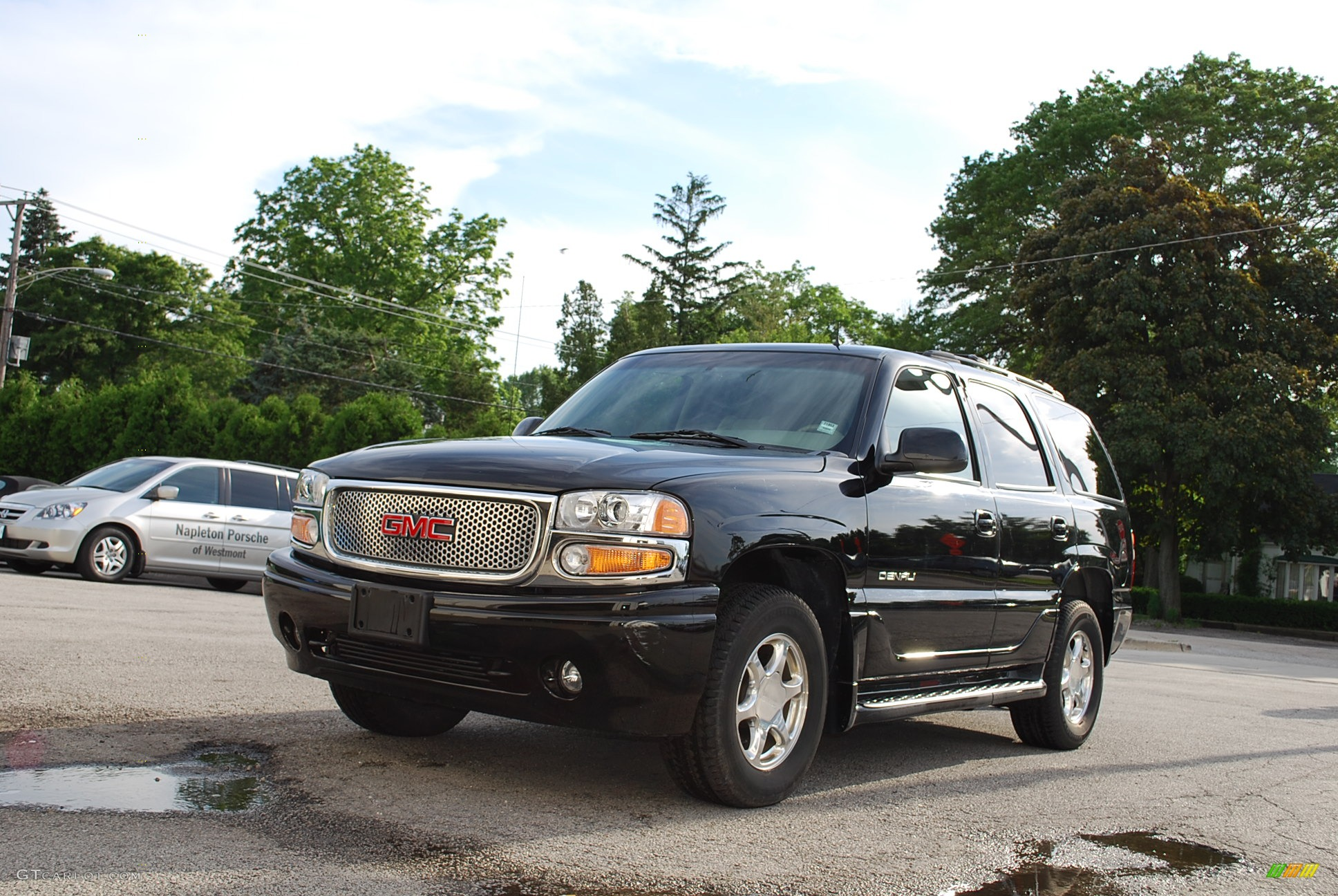 2002 onyx black gmc yukon denali awd 11701082 gtcarlot. Black Bedroom Furniture Sets. Home Design Ideas