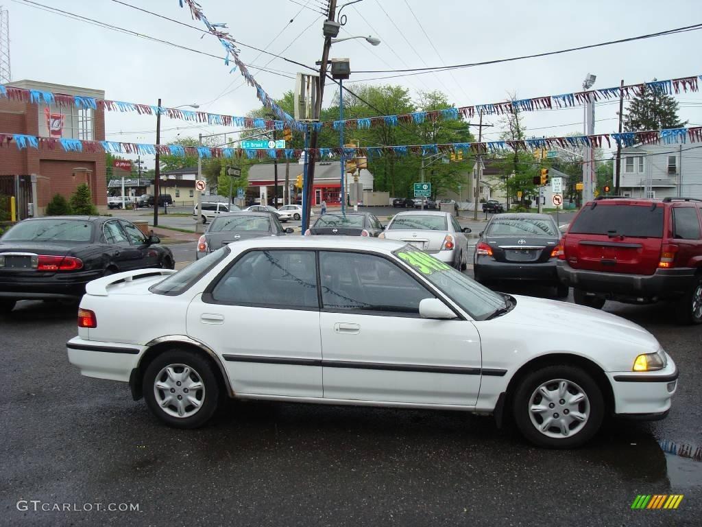 1993 Frost White Acura Integra LS Sedan 11667539 Photo 4