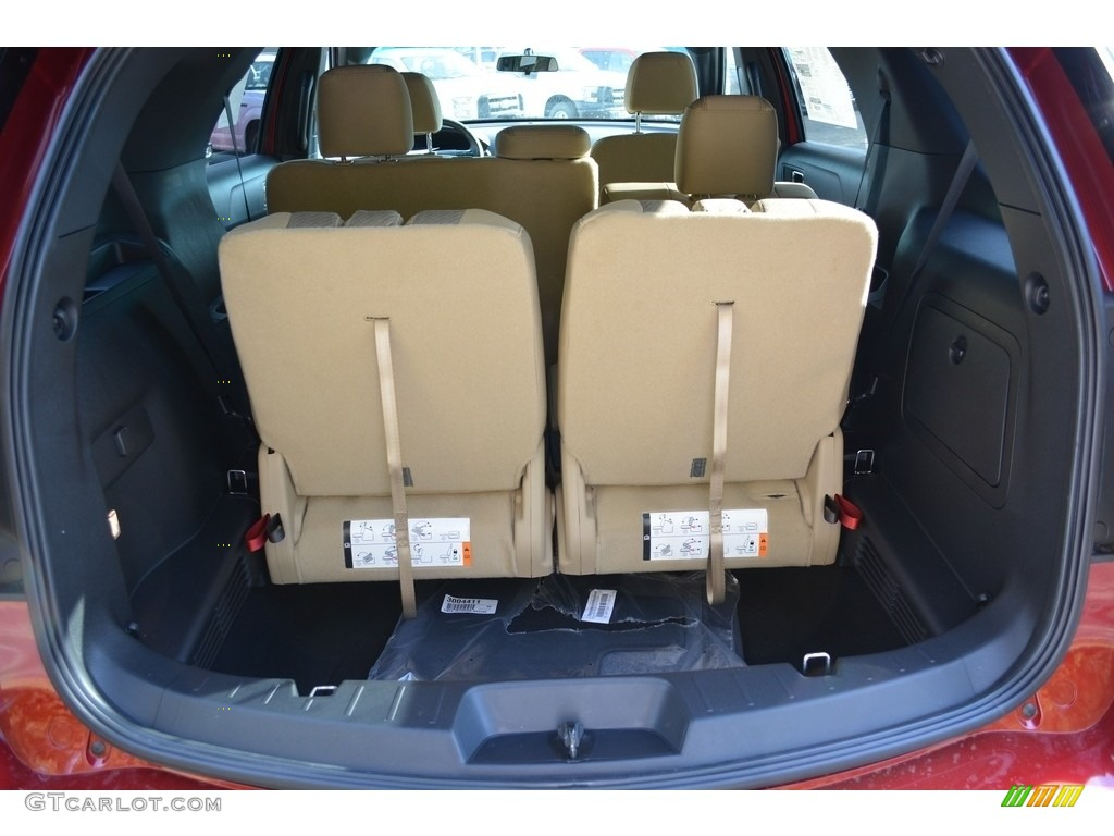2017 Ford Explorer FWD Trunk Photos