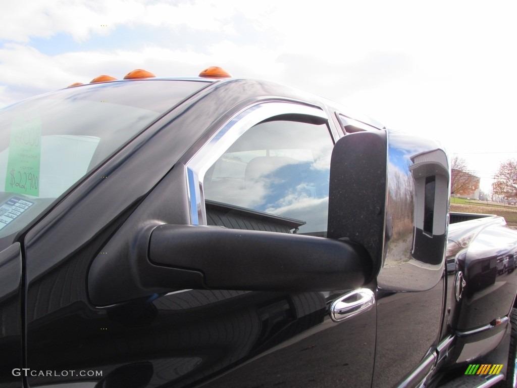 2008 Ram 3500 SLT Quad Cab 4x4 Dually - Brilliant Black Crystal Pearl / Medium Slate Gray photo #17